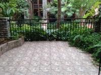 香山湖花园洋房4室2厅4卫简装修,有超大院馆,跳楼价89万只要89万