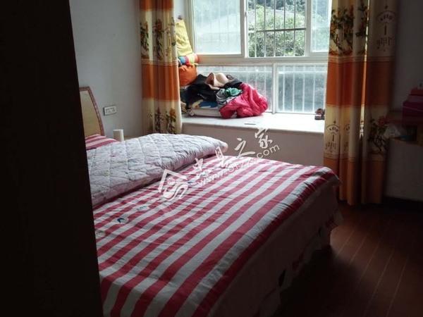 出租天田未来城3室2厅1卫90平米1300元/月住宅