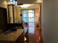 急售红星广场西站精装房三室二厅一卫