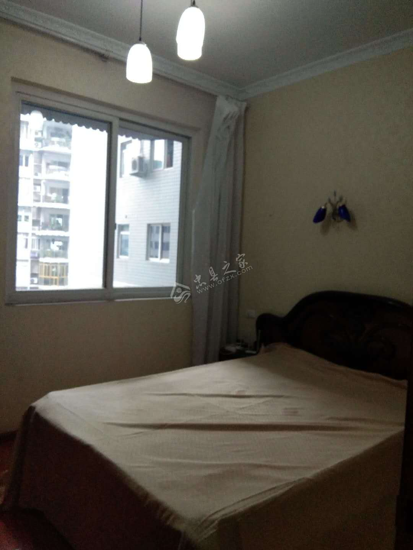 出售丽江花园118平米3室2厅2卫精装55万