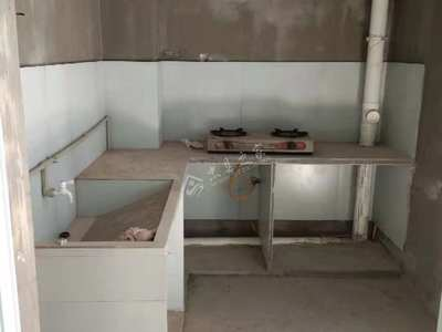 澜凯山水华府旁123平米3室可改4室2厅2卫清水急售50万
