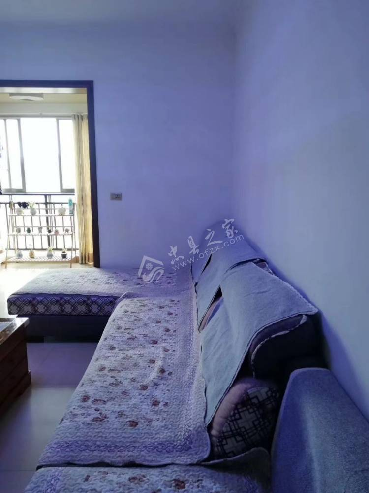 出售中博 香山湖3室2厅1卫95平米58万住宅