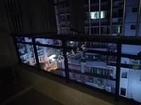 急售冠和财富广场3室2厅2卫94平米精装61万住宅