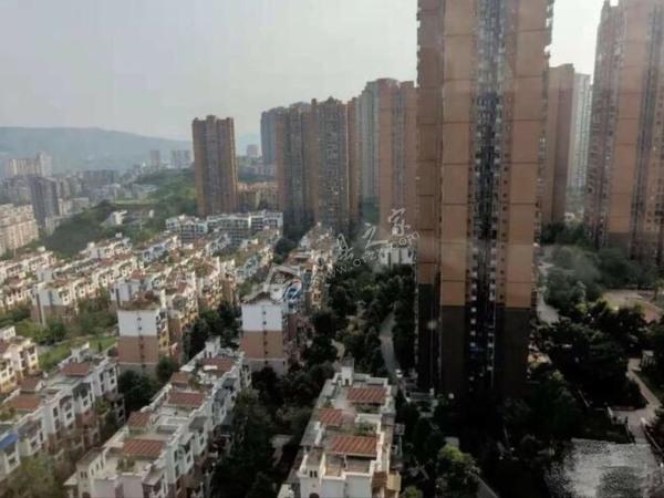 香山湖精装3房,从未入住,视野开阔 64.5万
