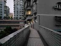 出售滨江路 电梯房4室2厅2卫145平米68万住宅
