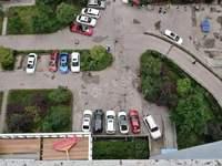 滨江路,皇华三千里,88平米小三房,清水房可随意装修,业主45万出售!