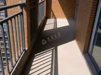 出售香山湖清水3房2卫115平方,钥匙在手可随时看房,可按揭