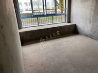 抢!香山公馆稀缺房源,带60平米的花园 再带一车位73.5万 清水